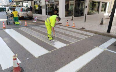 La Pública de Altea continúa renovando la pintura vial