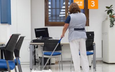 Abierto el proceso de contratación indefinida de 28 peones de limpieza